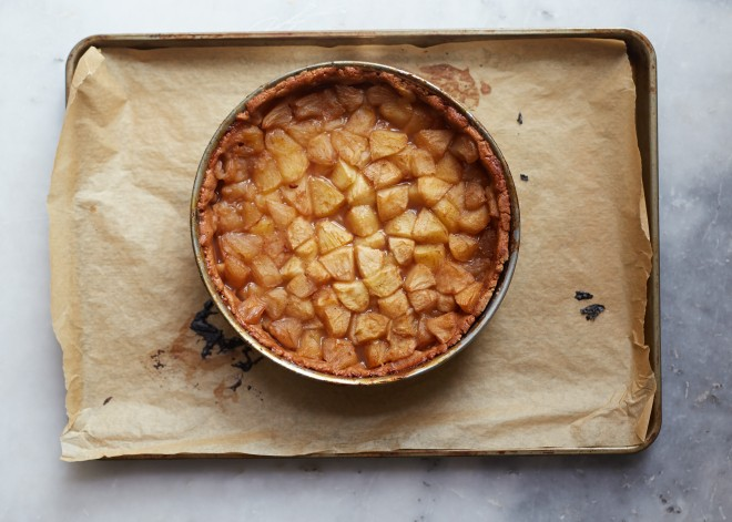 Amy Chaplin||http://amychaplin.com/2015/09/23/vegan-dutch-apple-pie/