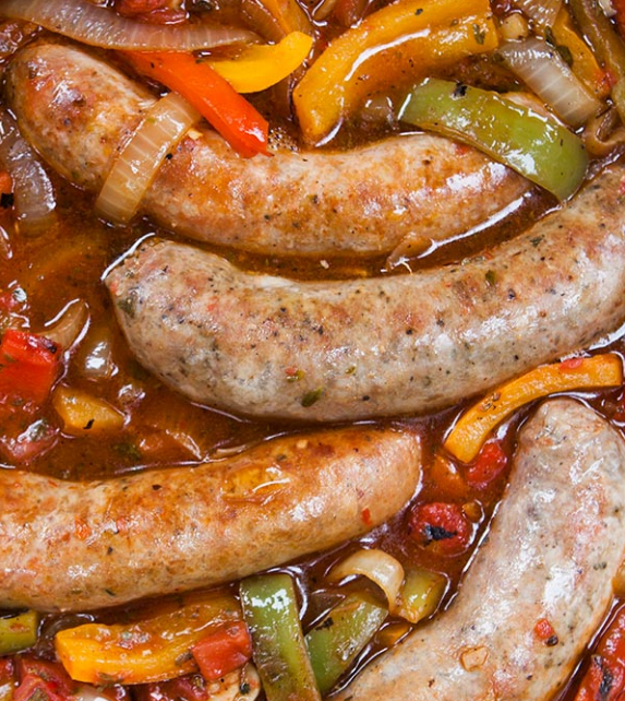 Credits / Simplyrecipes.com||http://simplyrecipes.com/recipes/sausage_peppers_and_onions/
