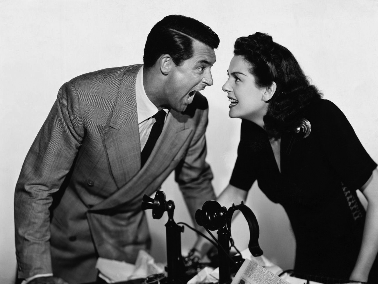 openculture.com||http://www.openculture.com/2013/06/watch_ihis_girl_fridayi_howard_hawks_classic_screwball_comedy_starring_cary_grant_free_online.html