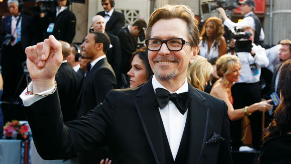 hollywoodreporter.com||https://www.hollywoodreporter.com/news/gary-oldman-voted-greatest-actor-775777